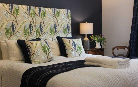 Caturns bedroom 2