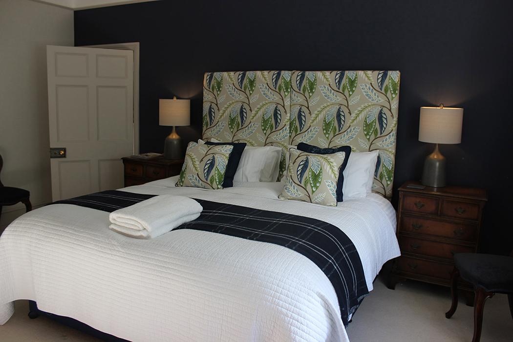 Caturns bedroom