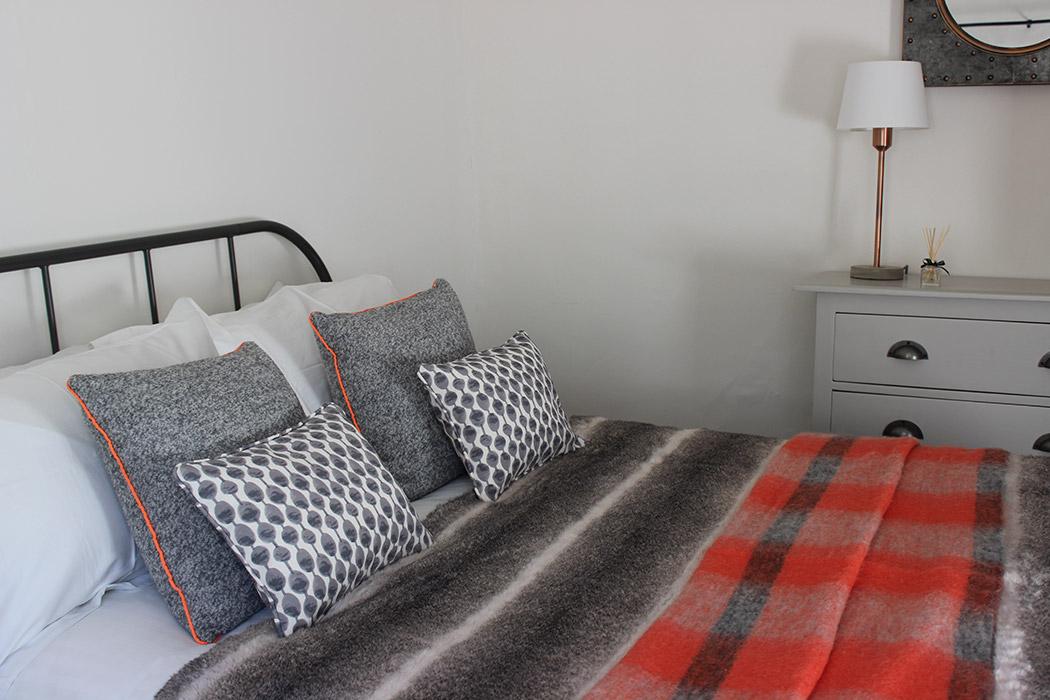 Groom's Cottage bedroom-6